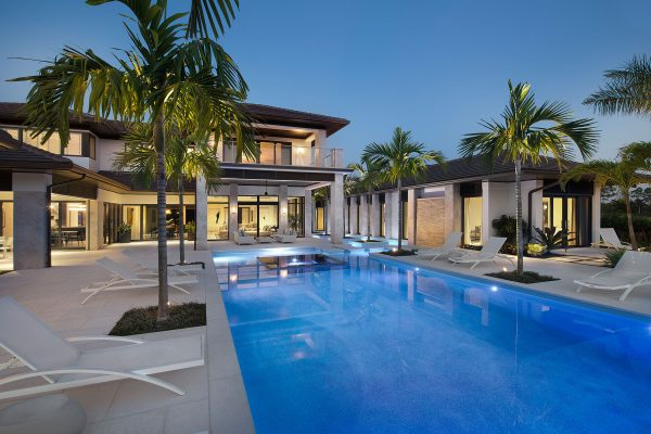 Pool & Outdoor Area