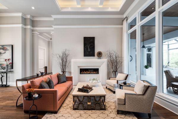 Sitting Area & Foyer