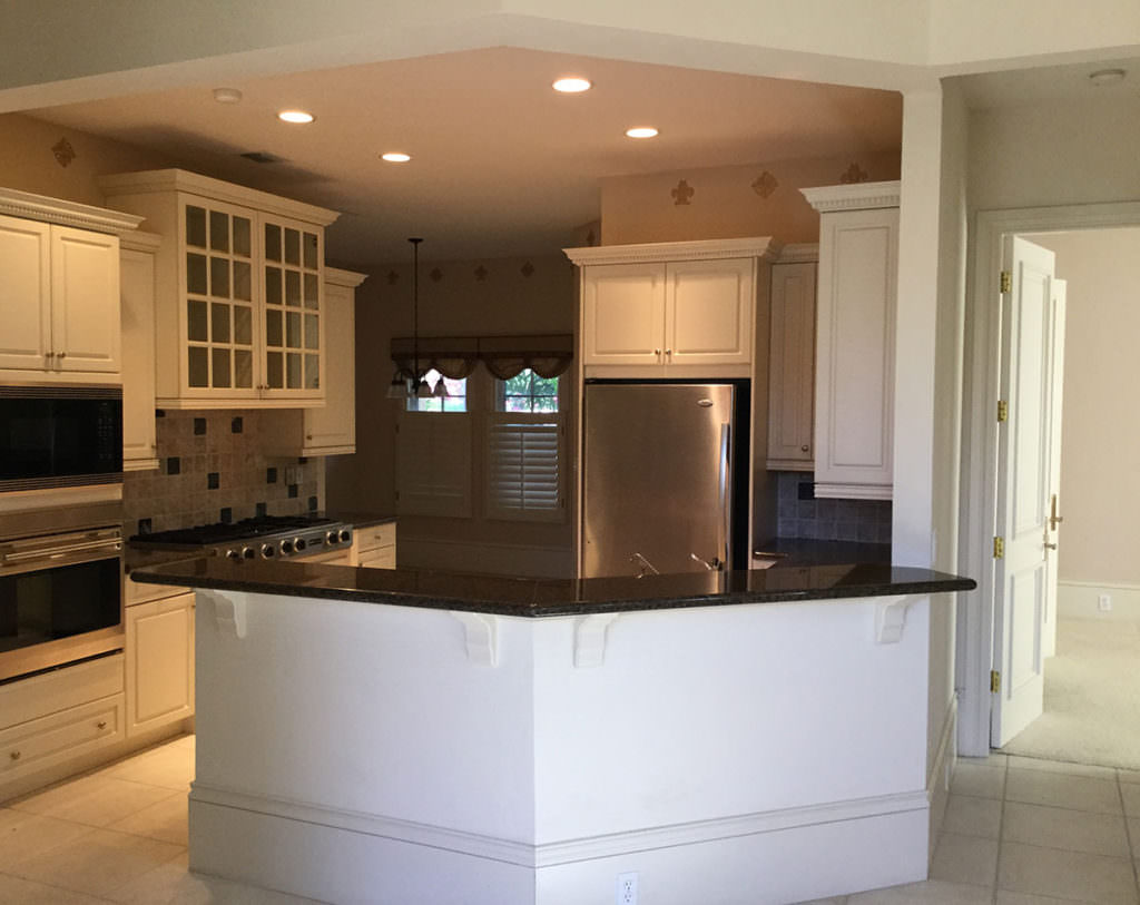Harwick Homes before amazing kitchen remodeling